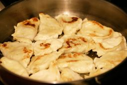 "What pierogis are supposed to look like.  (image courtesy of ""Fir0002/Flagstaffotos)"